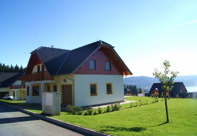 Villa in Lipno nad Vltavou - Vakantiehuis Gamma - Lipnomeer - Lipno nad Vltavou