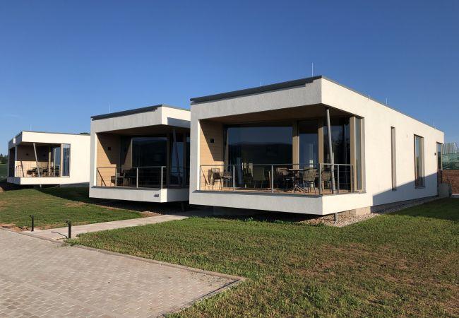 Appartement in Mladé Buky - KMGA12 App. Grund